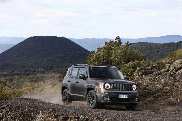 160112_Jeep_Renegade-Night-Eagle_05 SUV Economici: Nuovi Modelli sui 20.000 Euro